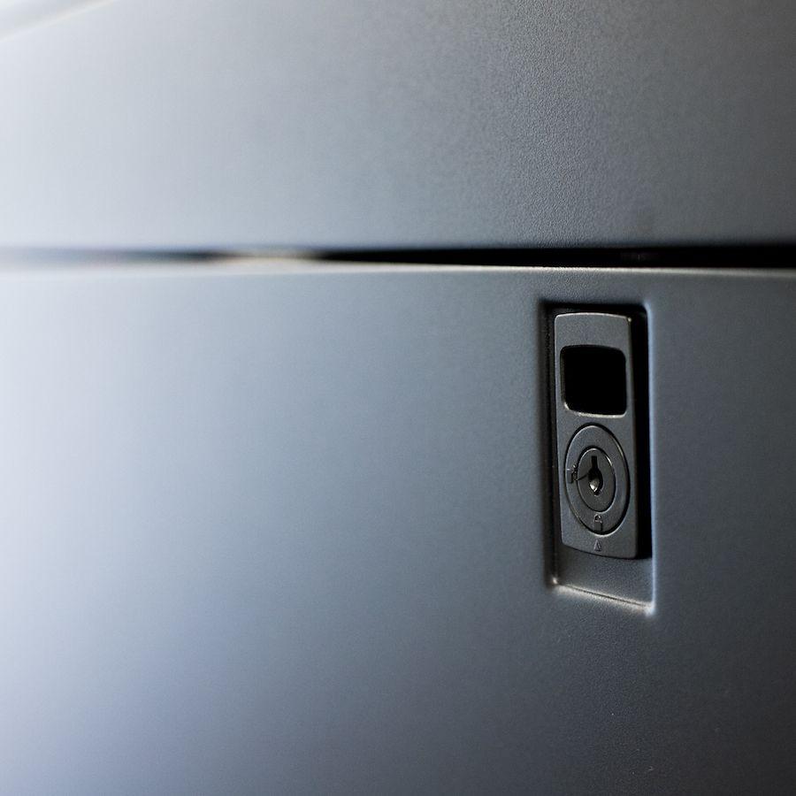 Enconnex-standard-server-cabinet-locking-side